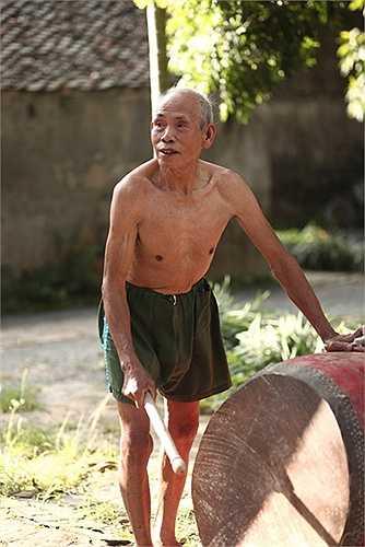 Sau khi xuất ngũ năm 1987, với niềm đam mê môn vật và mong muốn bảo tồn nét văn hóa tốt đẹp của dân tộc cũng như được sự ủng hộ của người dân và chính quyền địa phương, ông Đỗ Xuân Thành quyết định mở lớp dạy vật cổ truyền cho thanh thiếu niên trên địa bàn xã.