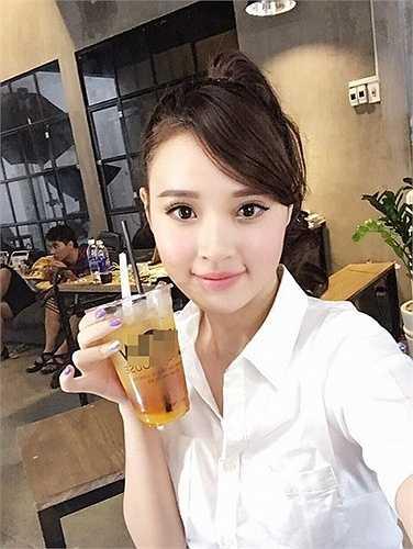 Midu trở lại xinh đẹp và làm việc chăm chỉ sau bão scandal tình cảm với bạn trai đại gia Phan Thành.