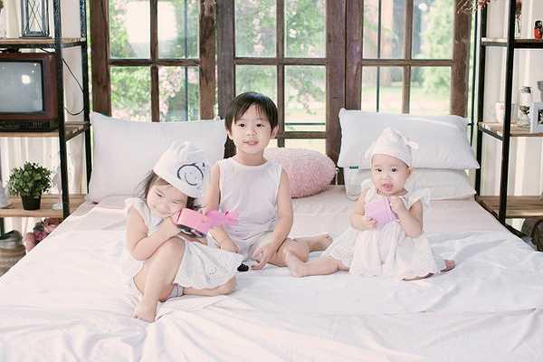 Hiện tại Lý Hải - Minh Hà đã và đang có những ngày ngập tràn hạnh phúc trong tổ ấm bé nhỏ cùng 3 nhóc tỳ là con trai Rio – Nguyễn Hạo Nhiên (4 tuổi), con gái Cherry – Nguyễn Hà Hải My ( và con gái Sunny – Nguyễn Tuệ Minh (11 tháng).
