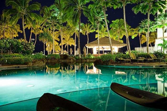 Khách sạn sang trọng bậc nhất nằm bên bờ biển Hawaii – The Ko Olina Beach Villas. Không chỉ tiện nghi, dịch vụ đẳng cấp, chuyên nghiệp, khách sạn còn có bờ biển riêng, yên bình và tách biệt với không khí ồn ảo từ các khu vực xung quanh.