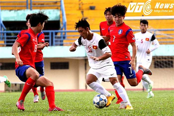 Nói vế đối thủ U19 Hàn Quốc, đây là tập thể đang được tôi luyện để chuẩn bị cho giải U19 thế giới vào năm sau cũng như giải U20 thế giới mà xứ kim chi là chủ nhà