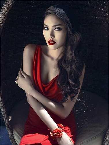 Với chiến thắng này, cô sẽ là đại diện của Việt Nam tại Hoa hậu Thế giới 2015.