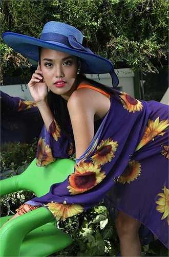 Với nhan sắc rạng ngời cùng kinh nghiệm 'chinh chiến' tại nhiều cuộc thi sắc đẹp, khán giả Việt có quyền mong chờ thành công của Lan Khuê tại đấu trường nhan sắc lớn nhất hành tinh sắp tới. (Trung Ngạn)