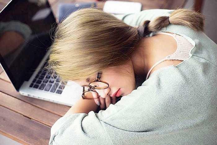 Trước đó, đầu tháng 10,Emmy Nguyễn từng'nổi như cồn' nhờ bức ảnh Tây Thi ngủ gật được đăng trênFacebook.