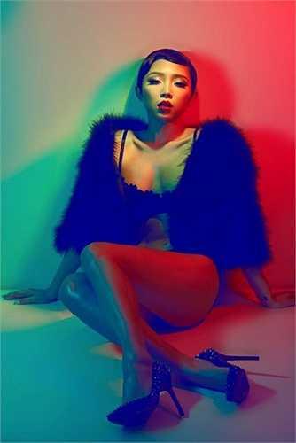 Nữ ca sỹkhông ngại khoe vóc dáng đẹp qua các shoot hình táo bạo