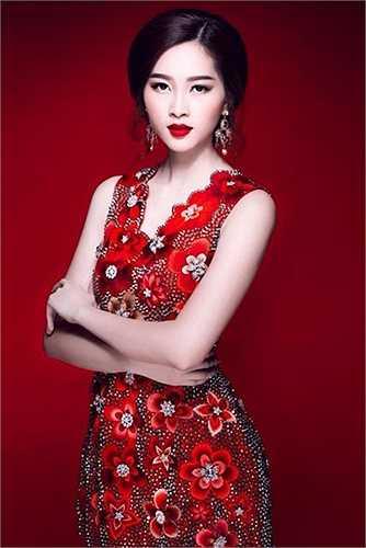 Các nhà nhân trắc học cho hay Hoa hậu Đặng Thu Thảo là một trong những Hoa hậu hiếm hoi sở hữu gương mặt cân đối, có tỷ lệ hoàn hảo nhất.