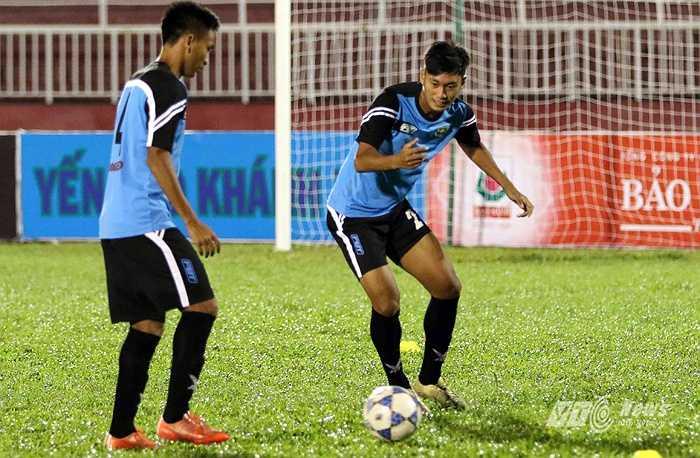 Cụ thể, có 12 cái tên từng thi đấu cho đội U20 Myanmar giải U19 châu Á năm 2014 và VCK U20 thế giới năm 2015.