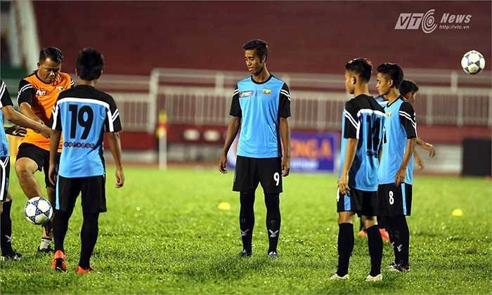 Kể ra như thủ môn Wai Lin Aung, hậu vệ Htike Htike Aung, Nan Wain Min, tiền vệ Myo Ko Tun, tiền đạo Yai Naing Oo, Mg Mg Lwin...