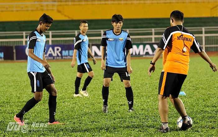 Đáng chú ý hơn, chính những cầu thủ này trong màu áo U19 Myanmar đã thắng 4-3 U19 Việt Nam lứa Công Phượng trong trận chung kết U22 Đông Nam Á (Hassanal Bolkiah) tại Brunei.