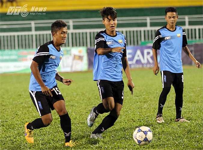 Trưởng đoàn Tin Myint Aung của U21 Myanmar cho biết: 'Năm ngoái, đội U21 Myanmar không dự giải vì quá bận rộn, trong đó có việc tập trung toàn lực cho đội U20 dự vòng chung kết World Cup ở New Zealand...