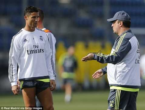 Rafa Benitez có thể bị sa thải nếu thua siêu kinh điển