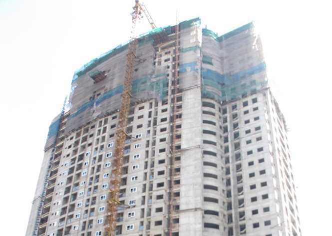 Công trình tại tổ 50, P.Yên Hòa, Q.Cầu Giấy xây sai thiết kế, làm bể bơi trên mái khi chưa được chấp thuận