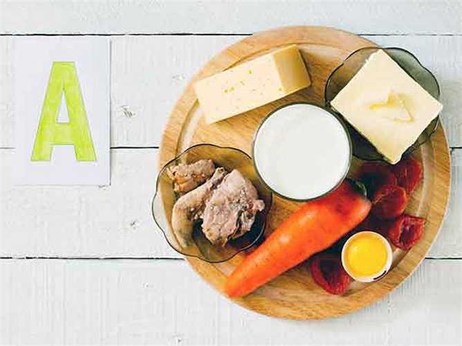 Vitamin A có đặc tính chống oxy hóa. Nghiên cứu cho thấy vitamin này hỗ trợ xây dựng và củng cố xương, răng, mô mềm, da và màng nhầy. Lượng cần thiết hàng ngày vitamin này giúp giảm nguy cơ mắc bệnh mãn tính, cải thiện tầm nhìn, làm chậm quá trình lão hóa. Vitamin A có trong cà chua, dưa hấu, ổi, súp lơ, cải xoăn, đu đủ, đào.