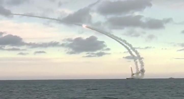 Tên lửa hành trình Nga bắn đi từ chiến hạm ở biển Caspian