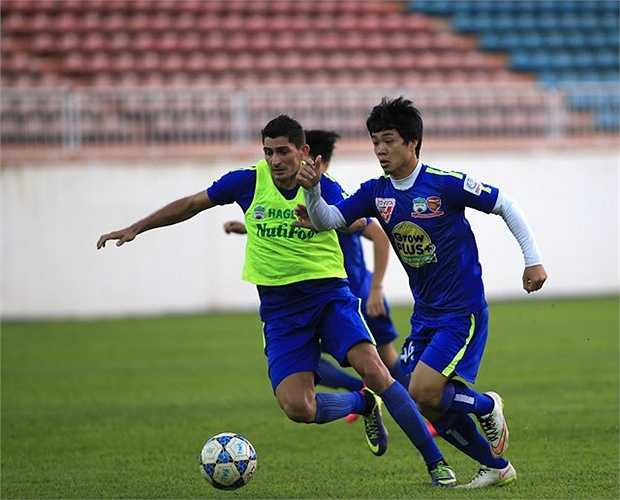 Tại giải U21 Quốc tế, Công Phượng cũng phải thể hiện nhiều để giành suất lên tuyển U23 Việt Nam, chuẩn bị cho vòng chung kết U23 châu Á 2016.