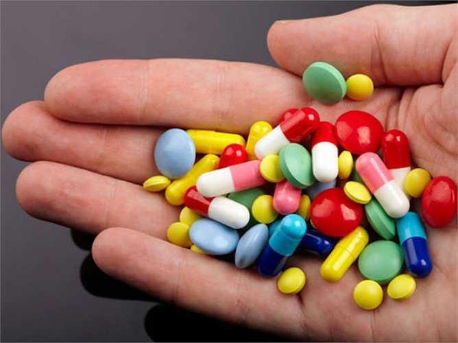 Uống thuốc đúng giờ: uống thuốc kháng sinh vào đúng thời điểm theo quy định của bác sĩ. vì dừng uống thuốc kháng sinh hoặc thay đổi thời gian uống sẽ không đạt được hiệu quả như mong muốn.