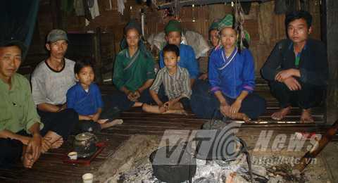 Đại gia đình câm điếc của ông Nùng Seo Sấn