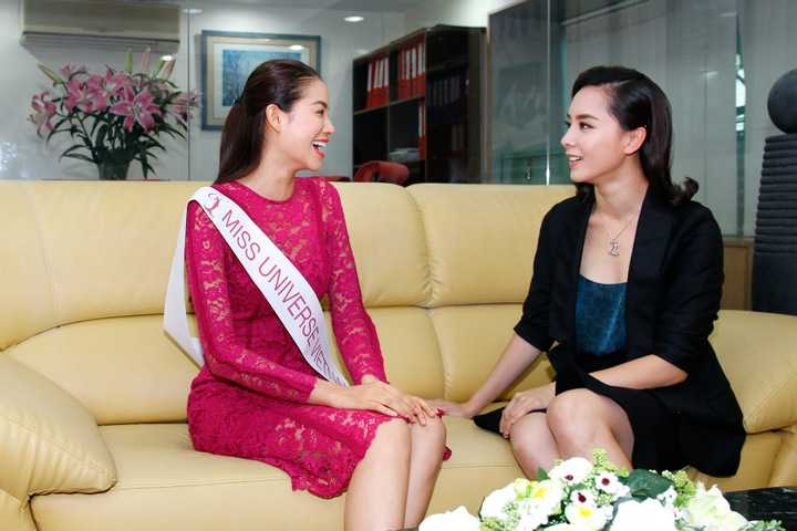 Với tư cách Giám đốc quốc gia, cô sẽ đồng hành và định hướng hình ảnh cho hoa hậu Phạm Hương tại cuộc thi sắp tới.