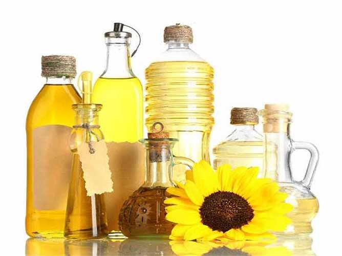 Sử dụng chất béo chuyển hóa: Các loại dầu này có thể gây ra chứng viêm nhiễm trong cơ thể của bạn. Tình trạng viêm có thể ăn mòn cơ thể của bạn nhanh hơn. Nó làm các tế bào chết sớm hơn, làm tăng tốc độ lão hóa.