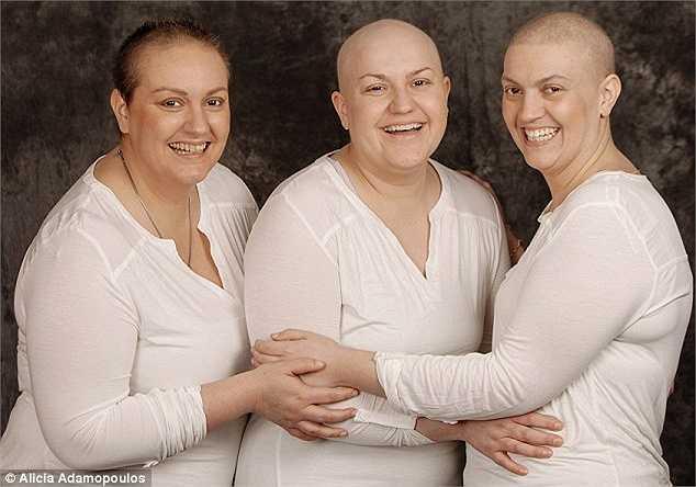 Tuy mắc bệnh nhưng nụ cười luôn nở trên môi của ba chị em đến từ Úc này.