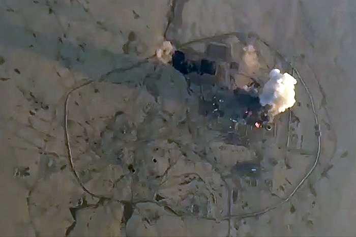 Mục tiêu IS bị trúng bom từ máy bay Nga
