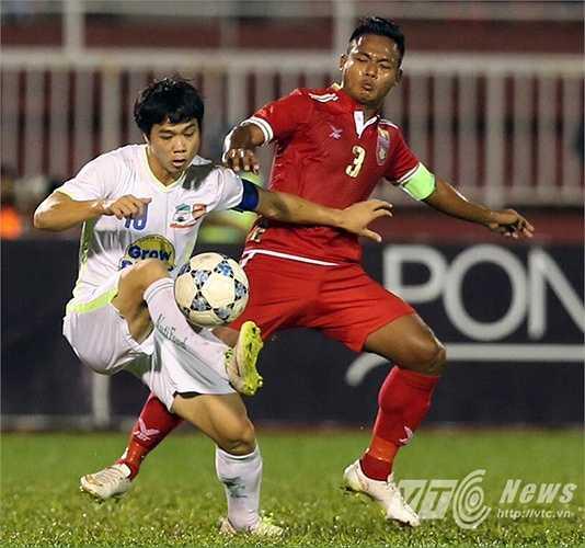 Công Phượng chính là người san bằng cách biệt 1-1 cho U21 HAGL sau một tình huống xử lý đầy ngẫu hứng. (Ảnh: Quang Minh)