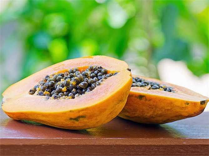 Hạt đu đủ: Mặc dù bạn ghét mùi vị của hạt đu đủ, hãy thử ăn chúng, nếu bạn đang bị ký sinh trùng đường ruột. Phương thuốc này chắc chắn có hiệu quả.