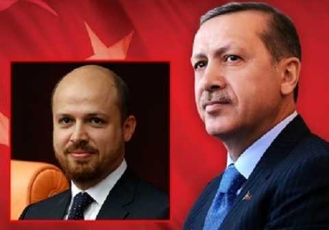 Tổng thống Thổ Nhĩ Kỳ (phải) và con trai
