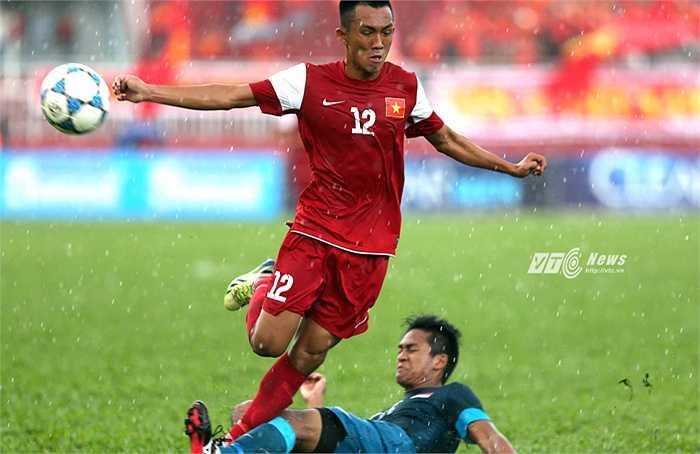 Bằng cách thổi lửa vào lối chơi của U21 Việt Nam, HLV Phạm Minh Đức biến đội bóng thành tập thể bất khả chiến bại.(Ảnh: Quang Minh)