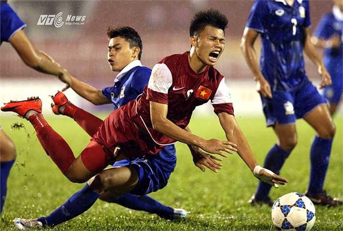 Phát ngôn gây sốc này thậm chí được ví von như biến đội U21 Việt Nam thành đội bóng ngoài hành tinh.(Ảnh: Quang Minh)