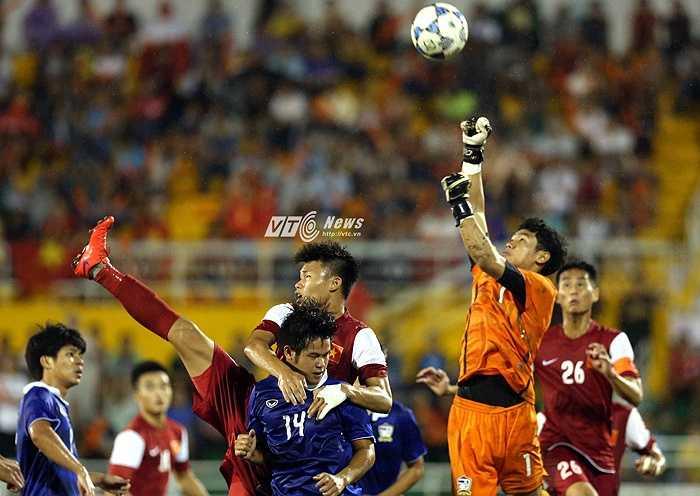Ông khẳng định phải thắng U21 HAGL bằng mọi giá, kể cả chơi tử thủ.(Ảnh: Quang Minh)
