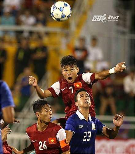 Nếu vào chung kết, từ vị trí kép phụ, U21 Việt Nam sẽ trở thành vai chính, với nhiệm vụ giữ chiếc cúp vô địch ở lại Việt Nam.(Ảnh: Quang Minh)