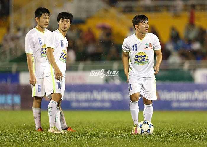 U21 HAGL sẽ đá trận bán kết với U21 Việt Nam vào chiều nay. Đây là trận siêu bán kết khi mà cả hai đều nhận được sự ủng hộ nhiệt thành của người hâm mộ. (Ảnh: Quang Minh)