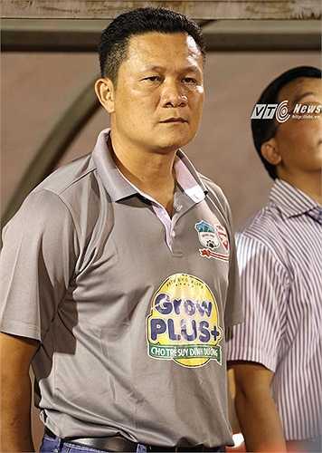 HLV Nguyễn Quốc Tuấn muốn có chức vô địch đầu tiên trên cương vị HLV trưởng. Trước giải, ông khẳng định các học trò của mình đủ sức chơi cho U23 Việt Nam. (Ảnh: Quang Minh)