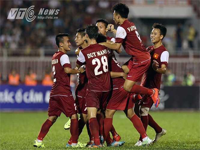 Bàn thắng như cởi bỏ tâm lý tự ti của U21 Việt Nam và họ bắt đầu chơi bóng chặt chẽ hơn. (Ảnh: Quang Minh)
