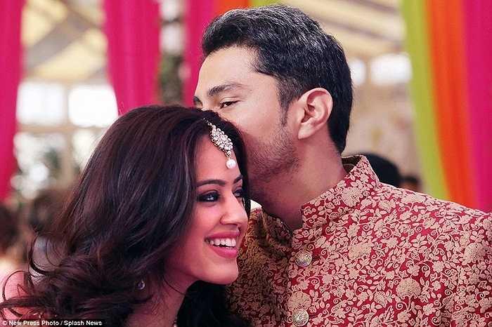 Cặp đôi dự định sau khi kết hôn sẽ định cư tại Dubai, nơi làm việc chính của tập đoàn Petrochem.
