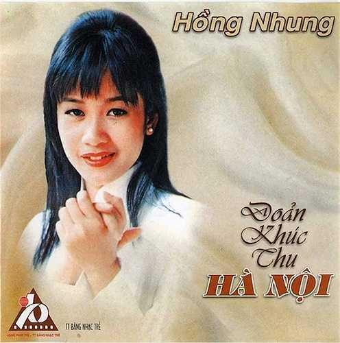 Hồng Nhung là nữ ca sỹ được yêu mến bởi giọng hát truyền cảm cùng ngoại hình xinh đẹp, trẻ trung.