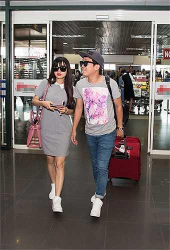 Khi nam diễn viên Hàn Quốc Kang Tae Oh đến Việt Nam tham dự VTV Awards, anh và Nhã Phương sánh đôi với nhau vì cả hai từng hợp tác trong bộ phim Tuổi thanh xuân.