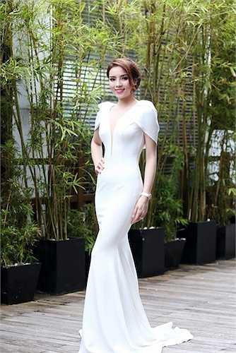 Cô có mặt ở TP HCM để làm khách mời trong sự kiện tư vấn làm đẹp, diễn ra tại một khách sạn 5 sao.