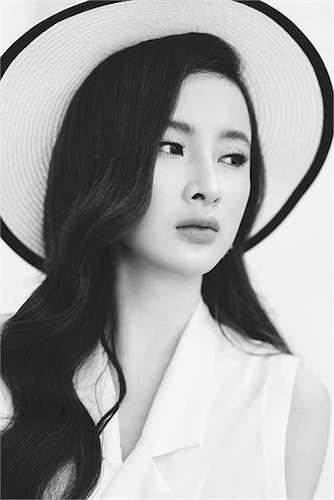 Ngay khi hoàn thành bộ phim điện ảnh đánh dấu sự tái xuất của mình, Angela Phương Trinh chuẩn bị bấm máy cho một dự án phim hứa hẹn thu hút khán giả đến rạp nhất trong năm 2016. Tuy nhiên, cô và ê-kíp đang giữ bí mật để mang đến nhiều bất ngờ cho khán giả.