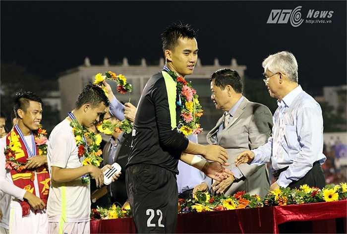 Thủ thành Văn Tiến có một trận đấu hay. (Ảnh: Quang Minh)