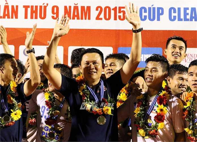 Nguyễn Quốc Tuấn ghi đậm dấu ấn chiến thuật ở màn tái đấu với U19 Hàn Quốc. (Ảnh: Quang Minh)