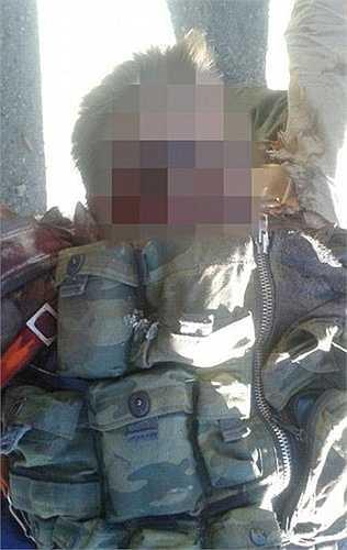 Phiến quân Syria tuyên bố đã bắt được một phi công.Viên phi công này nhiều khả năng đã thiệt mạng. (Nguồn: RT)
