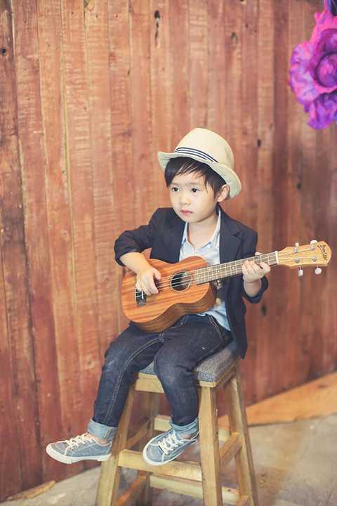 Ngay khi vừa chào đời, cậu bé đã được nhận xét là sở hữu nhiều nét đẹp từ bố mẹ. Đến bây giờ, khi đã được 4 tuổi, Rio ngày càng bộc lộ rõ vẻ điển trai khiến nhiều người mê mẩn.
