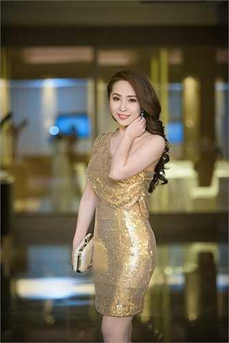 Ngay sau khi về lại Hà Nội, cô liên tục tham gia các sự kiện.