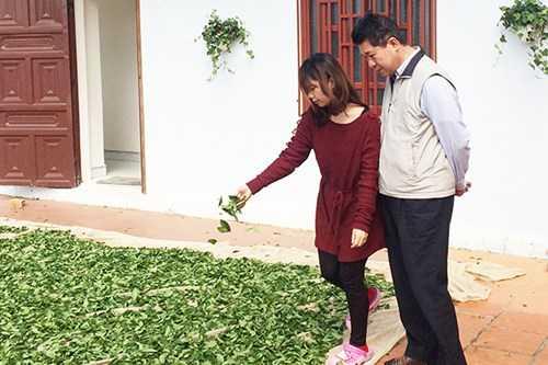 Ông Chuang và con gái tại Cty Hayih ở Đà Lạt.