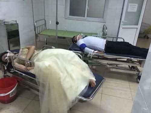 Cả hai nạn nhân được cấp cứu tại  Trung tâm chống độc (BV Bạch Mai)