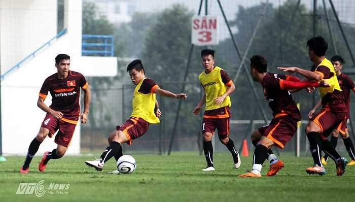 Chỉ có 19 cầu thủ tham gia tập luyện buổi tập đầu tiên trên tuyển U23 Việt Nam, chuẩn bị cho vòng chung kết U23 châu Á.