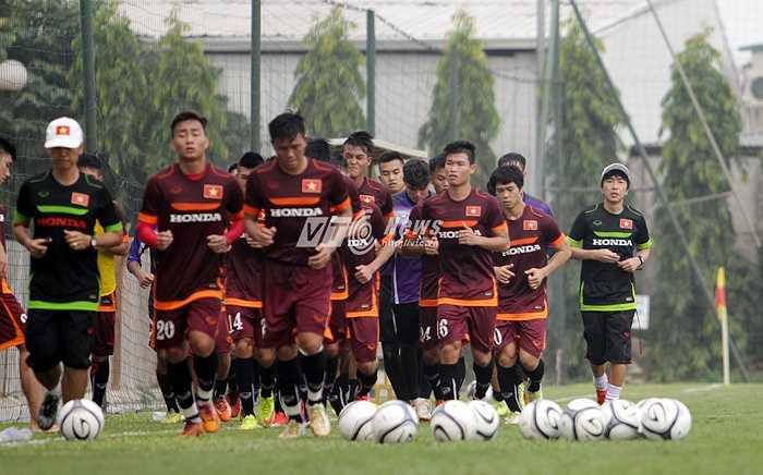 Đánh giá về những tân binh ở đội tuyển ông Miura cảm thấy vui mừng vì họ là những cầu thủ trẻ đã rất nỗ lực trong thời gian qua.