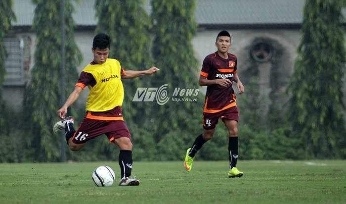 Đông Triều lần đầu tiên lên tuyển U23 và sẽ phải cạnh tranh quyết liệt với Hữu Dũng, Duy Mạnh, Tấn Tài ở vị trí tiền vệ trụ.